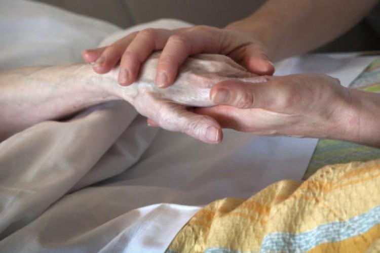 Para pedir a graça da cura do câncer: oração ao santo que carregou essa mesma cruz