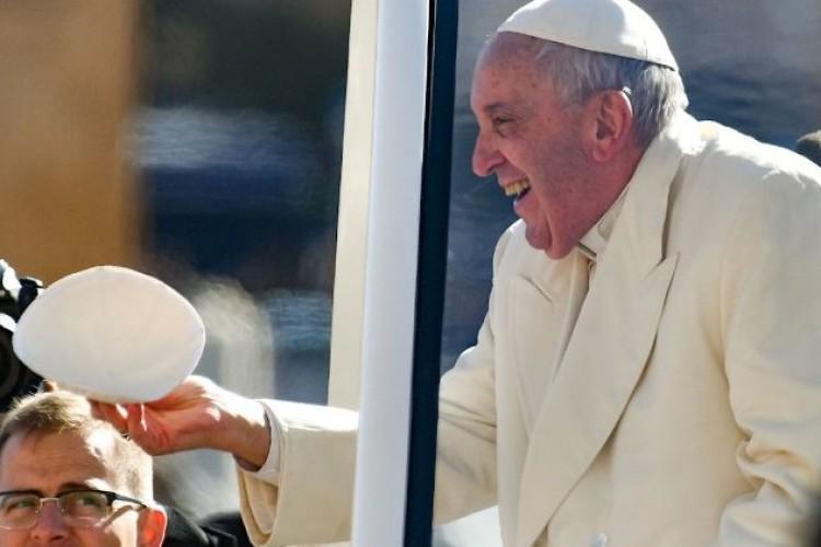 Papa: Eucarista nos fortalece e nos faz dar frutos