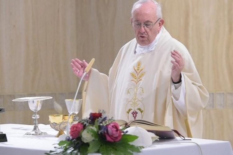 """Papa: a paz é a verdadeira alegria do cristão, não a """"dolce vita"""""""
