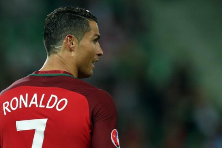 """""""Ainda bem que não consegui abortá-lo"""", revela mãe de Cristiano Ronaldo"""