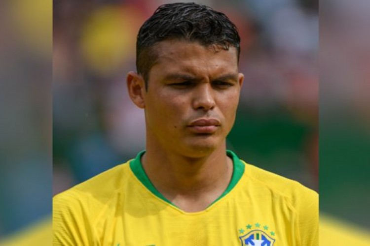 Mãe de Thiago Silva revela que o jogador do Brasil se salvou do aborto
