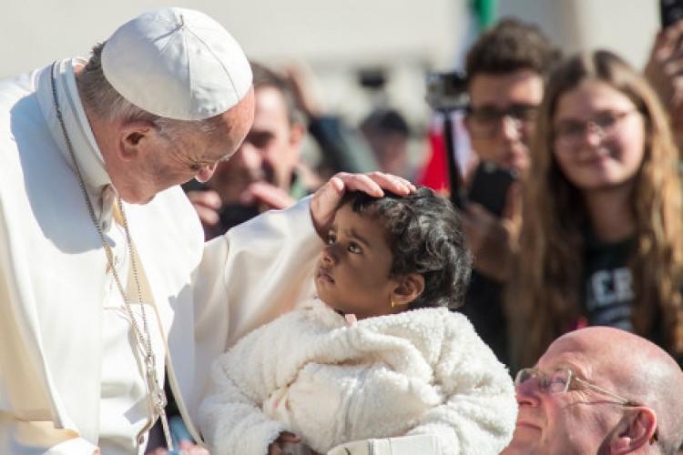 Papa: Deus não exclui ninguém, no Reino há lugar para todos