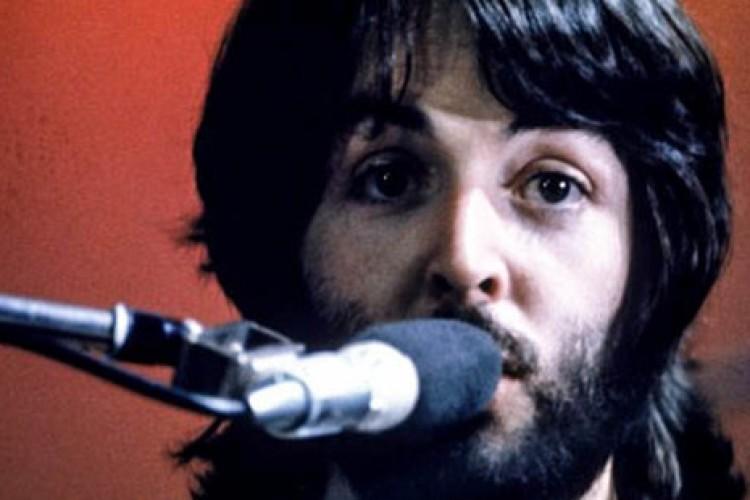 """""""Let it be"""": a verdade por trás da visita da Virgem Maria a Paul McCartney"""